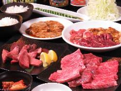 和牛からホルモンまで、様々なお肉を取り揃えております!