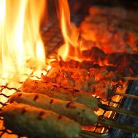 【オススメ料理】 秘伝のタレで食す串焼きは当店人気メニュー