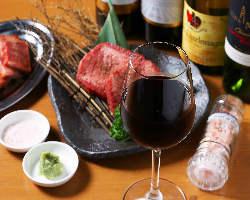 上質なワインもご用意。肉と合わせてお楽しみください。