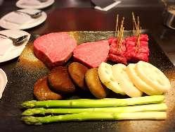 旬の食材たちは料理長自ら厳選した究極の品々です。