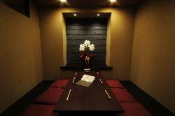 接待や宴会にピッタリな個室は10名様まで収容可能です。