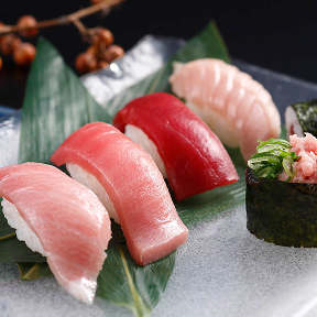 本格グルメ系回転寿司 海都 徳力店