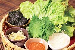 巻き巻き野菜盛り牛長style 580円/お肉を巻いて召し上がれ♪