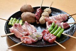 新鮮な「大山鶏」をはじめとする厳選された食材
