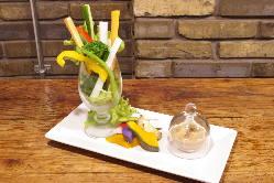 当店の畑で栽培した野菜は無農薬で安心です。