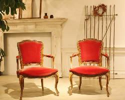 オーナーのセンスが輝るアンティーク家具が可愛いです♪
