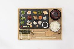 【ランチ】 人気の体験型ランチ「手織り寿司」