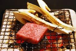旬の食材を使った料理の数々をご用意。
