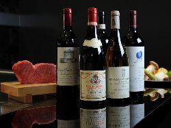 お料理にぴったりなワインの種類も豊富に取り揃えています。