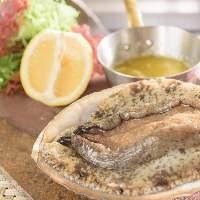 新鮮な魚介を味わえるのも鉄板なかつかの魅力