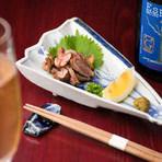 シャンパンでの乾杯には『宮崎地鶏たたき』が一押し