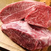 店主自ら厳選したこだわりの広島牛。お肉のことはお任せ下さい